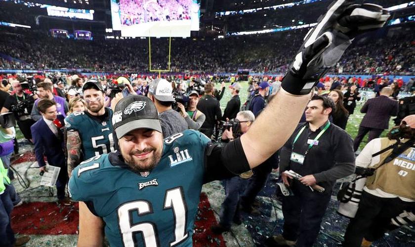 Stefen Wisniewski com a camisa do Philadelphia Eagles no Super Bowl LII, em 2018. (Foto: Patrick Smith/Getty Images)