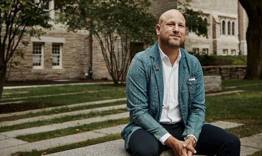 Greg Epstein é o novo presidente da organização de capelães de Harvard. (Foto: Cody O'Loughlin/The New York Times)