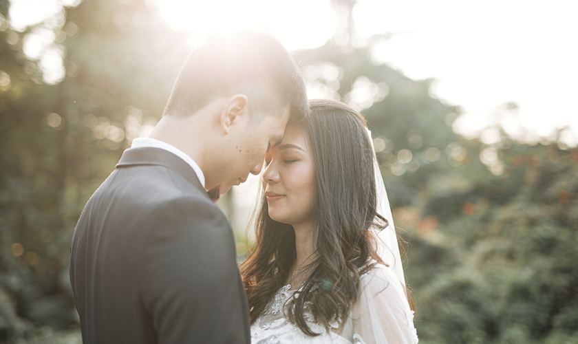 Zhang Fang e Wang Xianyi conseguiram se casar na semana passada em casa. (Foto: Vino Li/Unsplash).