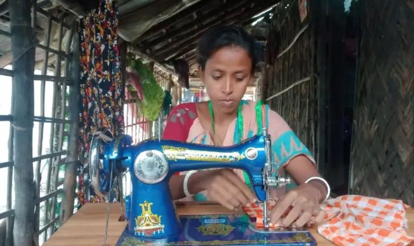 O marido de Monika a abandonou depois que ela teve um encontro com Jesus, em Bangladesh. (Foto: Portas Abertas)