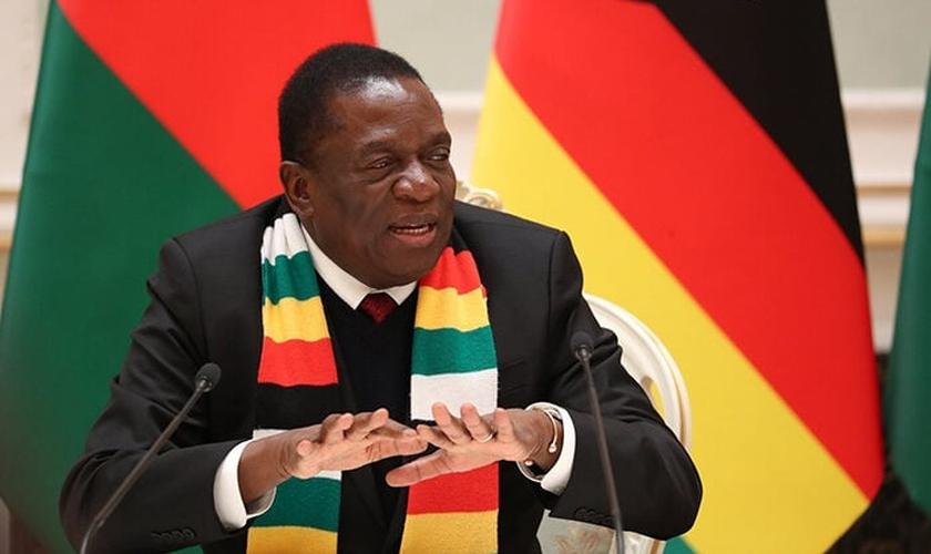 O presidente do Zimbábue, Emmerson Mnangagwa. (Foto: Natalia Fedosenko / Pool / Reuters)