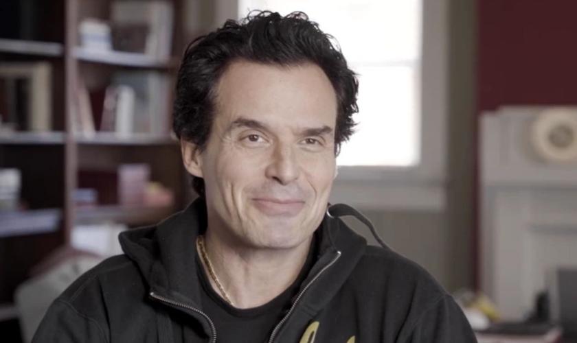 """Antonio Sabato Jr. fala sobre o próximo filme """"Deus Não Está Morto: nós, o povo"""". (Foto: Reprodução/Imprensa)"""