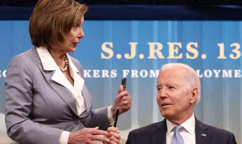 Nancy Pelosi e Joe Biden. (Foto: Win McNamee/Getty Images)