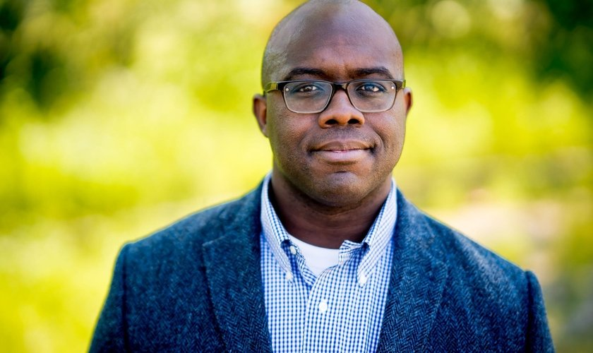 Esau McCaulley, autor de Uma Leitura Negra. (Foto: Divulgação/Mundo Cristão)