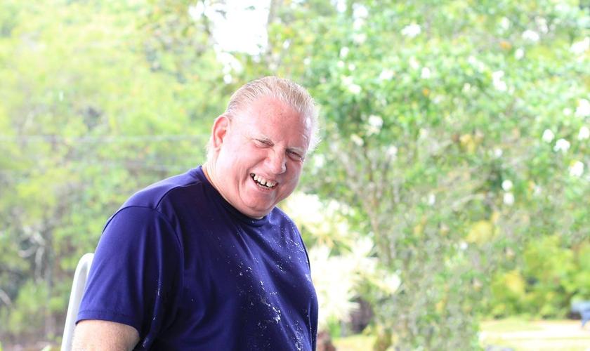 Hoje Keith Jackson é pastor e atua no resgate de pessoas marginalizadas. (Foto: Sure Foundation Puna)