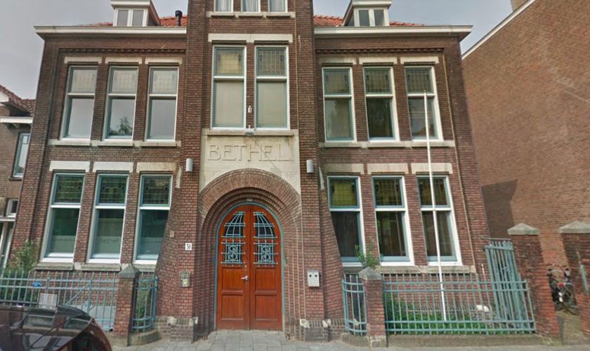 A Igreja Bethel está realizando na Holanda um culto que já passou das 700 horas para impedir que uma família seja deportada. (Foto: Archy news nety