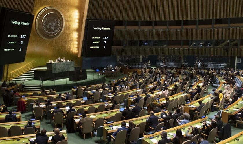 Assembleia-Geral das Nações Unidas durante votação sobre o embargo dos EUA imposto a Cuba. (Foto: Evan Schneider/ONU)