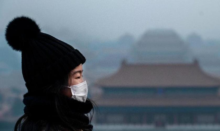 Igreja tem ajudado a comunidade de Wuhan a enfrentar a epidemia. (Foto: Kevin Frayer/Getty Images)