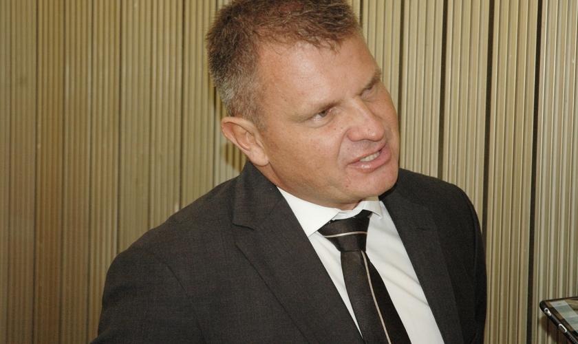 Apóstolo Rina, da Igreja Bola de Neve, em entrevista ao Guiame na Assembleia Legislativa do Estado de São Paulo (Alesp). (Foto: Guiame/ Luiz Claudino)