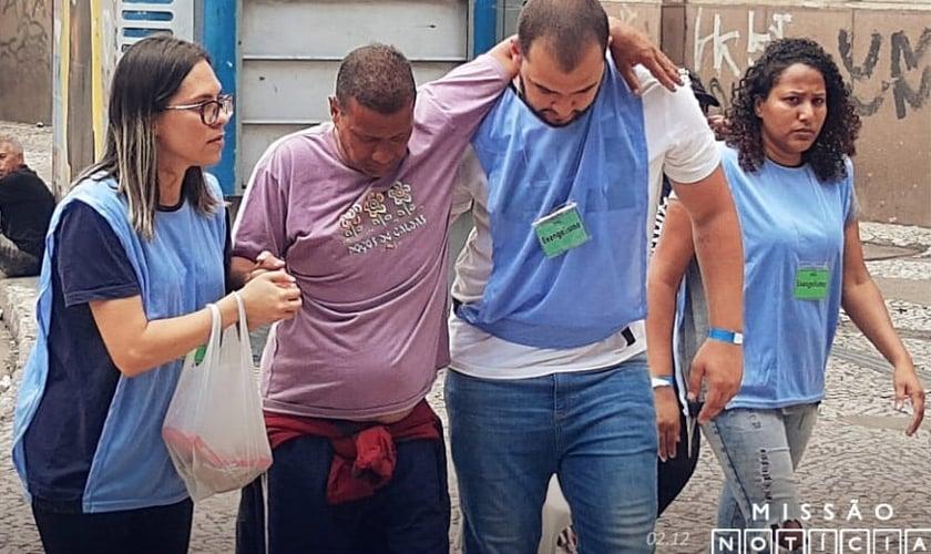 74 pessoas decidiram deixar a Cracolândia e receber ajuda em comunidades terapêuticas. (Foto: Rádio Trans Mundial)