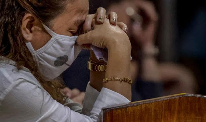Cristãos têm sofrido intensa repressão do Partido Comunista, que está demolindo igrejas e prendendo pastores e fiéis. (Foto: Asia News)