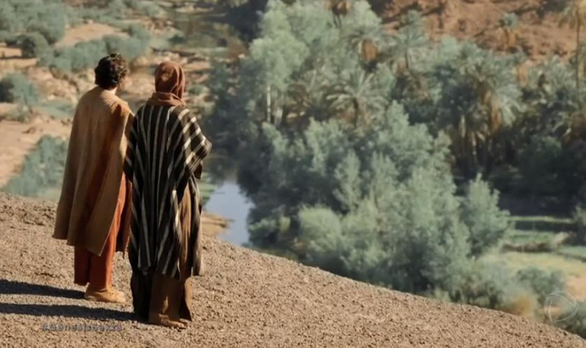 Cena da novela Gênesis, na qual Abrão e Ló decidem sobre seus destinos. (Foto: R7)