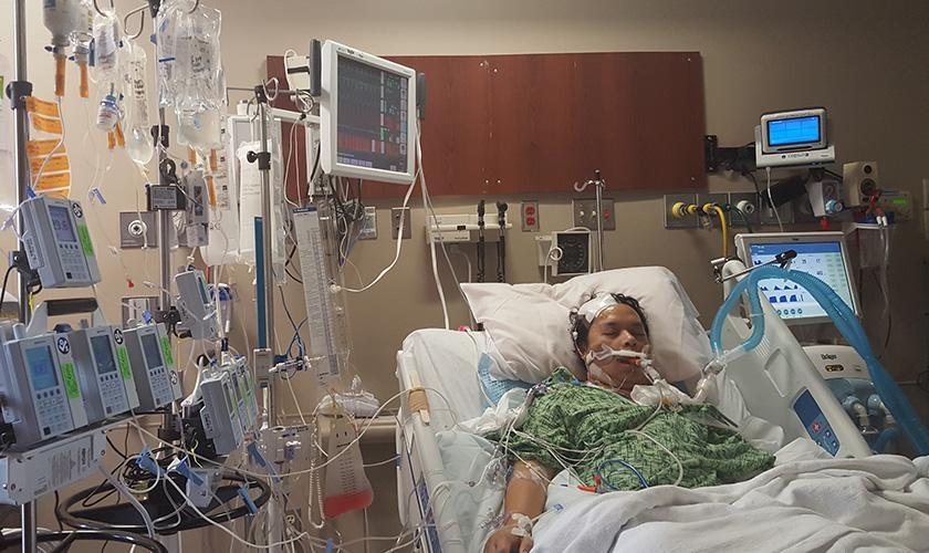 Donnie Delim sobreviveu milagrosamente após um sangramento no cérebro. (Foto: The Flame/Lea Delim)