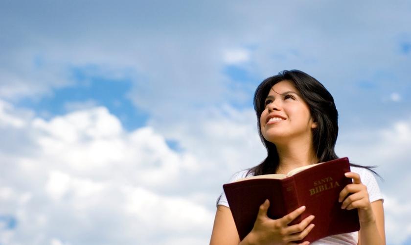 As frequentadoras de igreja vivem em média cinco meses a mais do que aquelas que nunca frequentaram. (Foto: Reprodução)