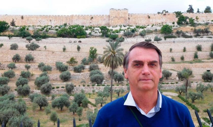 https://thumbor.guiame.com.br/unsafe/840x500/right/smart/https://media.guiame.com.br/archives/2018/10/29/910846365-jair-bolsonaro-em-israel.jpg