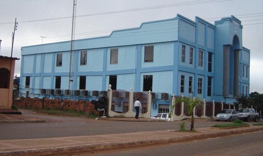 """Templo principal da Igreja Assembleia de Deus em Rio Branco, havia sido apontado como ponto de """"violação das medidas de quarentena"""", na capital do Acre. (Foto: Templos Assembleianos)"""