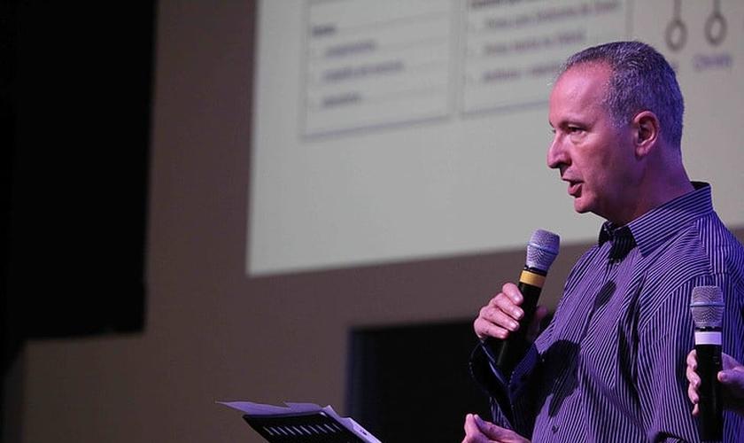 O pastor Peter Scazzero é fundador do Ministério Espiritualidade Emocionalmente Saudável. (Foto: Divulgação)