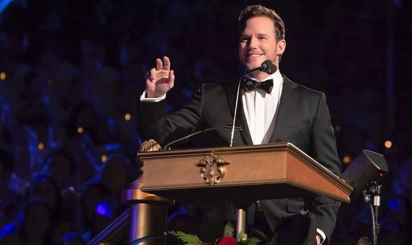 Chris Pratt foi convidado para ler a Bíblia e fez uma breve reflexão no evento anual de natal da Disneylândia. (Foto: The Park Insider)