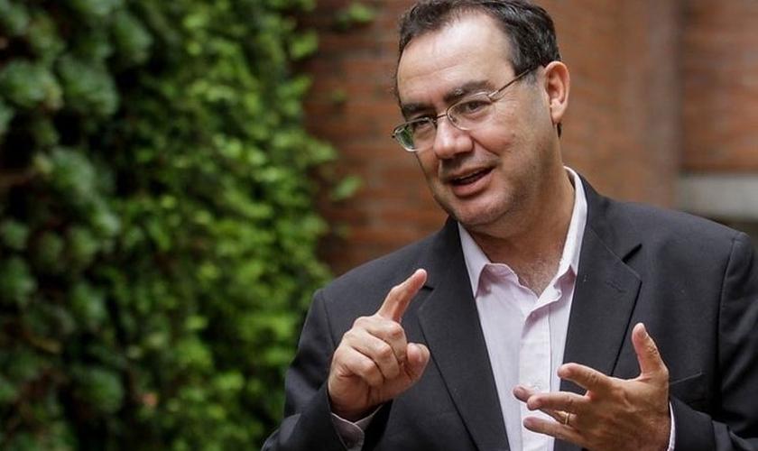 O psiquiatra e escritor Augusto Cury falou sobre a depressão entre cristãos. (Foto: Reprodução)