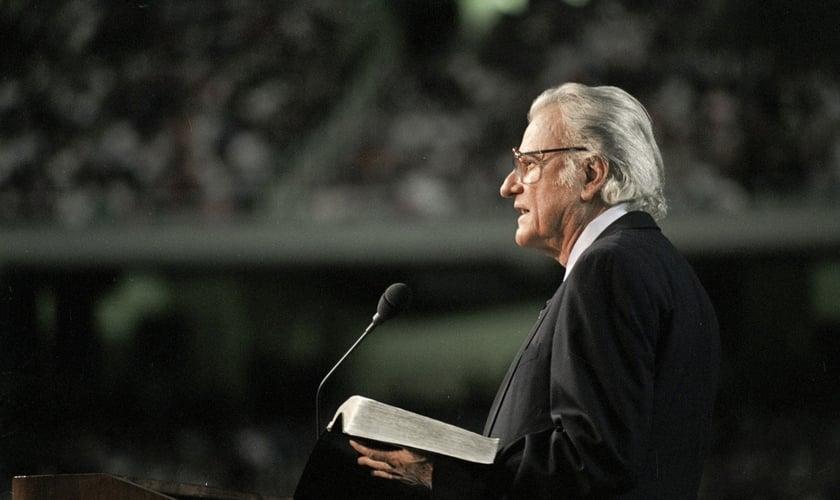 Billy Graham pregou para 215 milhões de pessoas em 185 países. (Foto: Billy Graham Evangelistic Association)