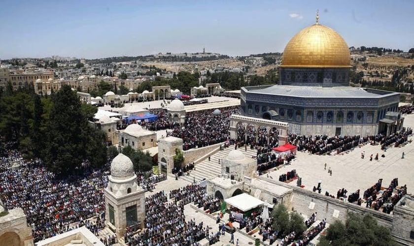 O Monte do Templo é um lugar sagrado para judeus, cristãos e muçulmanos. (Foto: AP)