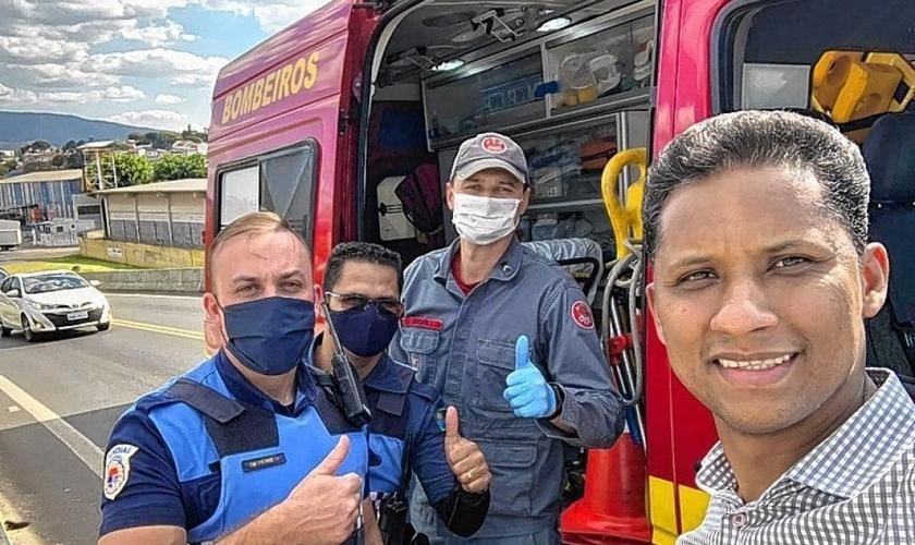 Pastor Cristiano José da Silva resgatou um homem no viaduto de Jundiaí e contou com o apoio do Corpo de Bombeiros após o resgate. (Foto: Divulgação)