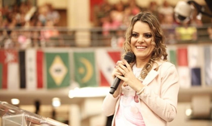 Ana Paula Valadão está sendo processada por 'LGBTfobia', após a viralização de um vídeo no qual se opõe à homossexualidade. (Imagem: Rede Super / Reprodução)