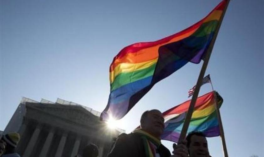 379 empresas apresentaram um documento na Suprema Corte dos Estados Unidos, pressionando o fim da proibição do casamento gay.