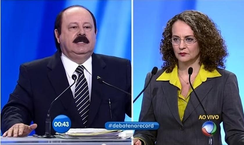 Durante um debate presidencial, que aconteceu em 28 de setembro de 2014, o candidato respondeu a perguntas de Luciana Genro (PSOL).