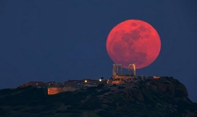 O eclipse da Super Lua é muito raro, e aconteceu apenas cinco vezes após o ano 1900.