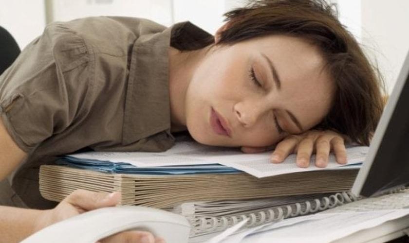 Dez versículos para você meditar em momentos de cansaço. Não desista!