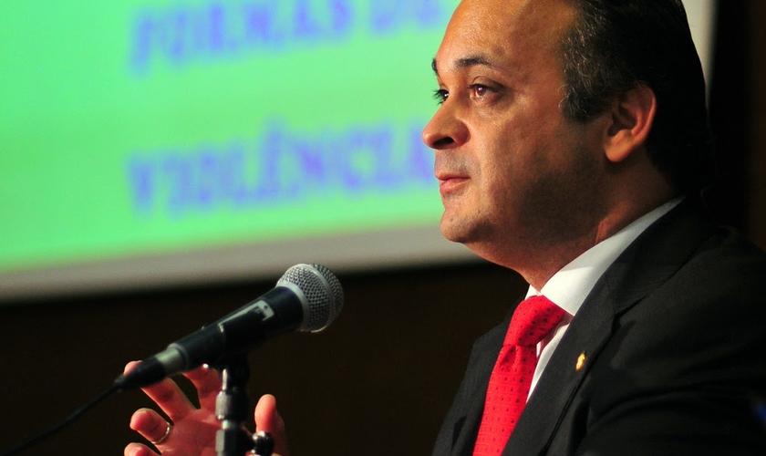 A Frente Parlamentar em Defesa dos Direitos Religiosos será dirigida pelo pastor e secretário de Turismo do Estado de São Paulo, Roberto de Lucena.