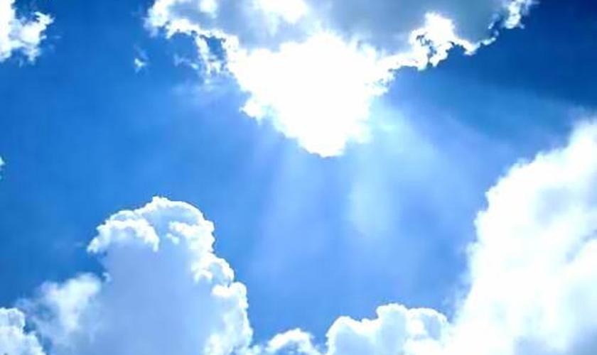 Se João, o apóstolo, estava certo, Deus e o Céu nos homens é o bem e o amor nos homens.