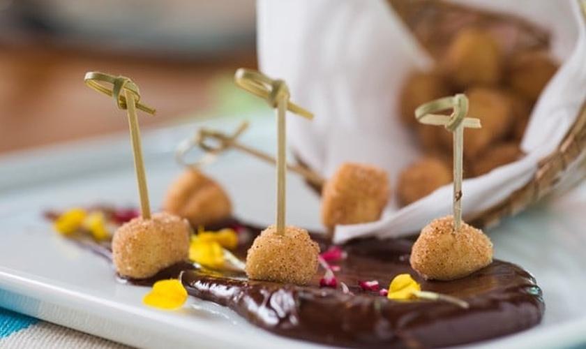 Bolinho de chuva com ganache de chocolate