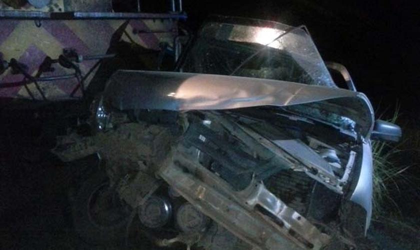A empresa Ferrovia Centro-Atlântica informou que o maquinista acionou os freios, mas não houve tempo hábil para concluir a frenagem