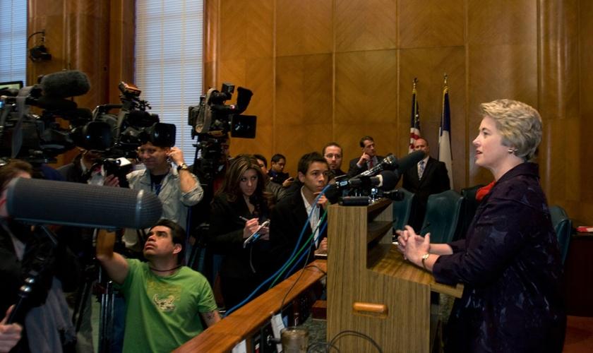 Prefeita de Houston (TX), Annise Parker gerou polêmica ao intimar que pastores submetessem seus sermões a uma análise prévia da equipe dela