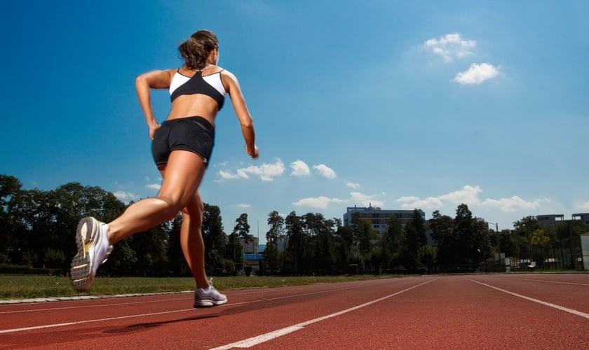 Confira 10 dicas para quem pretende iniciar no mundo da corrida sem imprevistos. (Foto: Reprodução)