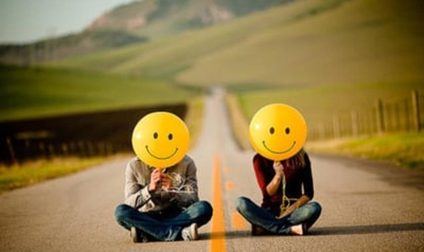 Balões com sorrisos_imagem ilustrativa