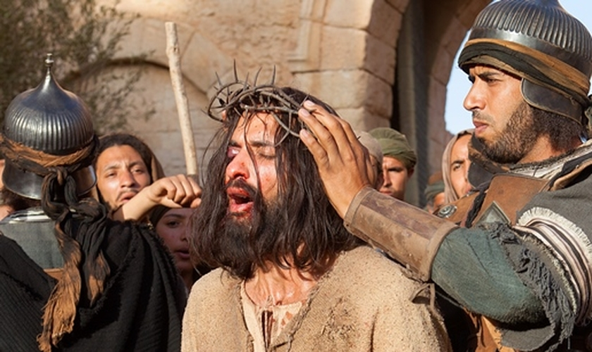 """O ator libanês Haaz Sleiman foi o escolhido para interpretar o papel de Jesus Cristo na produção. O elenco de """"Quem Matou Jesus"""" chamou a atenção pela sua grande diversidade étnica."""
