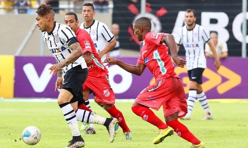 Guerrero autor dos Dois gols do Timão