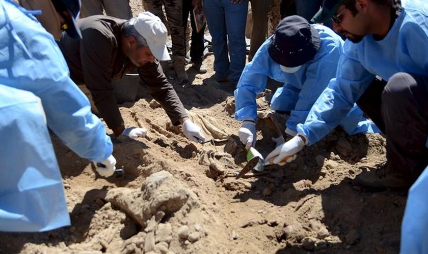 Valas com corpos são encontradas em Tikrit, no Iraque