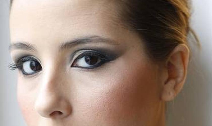 olhos os grandes com maquiagem
