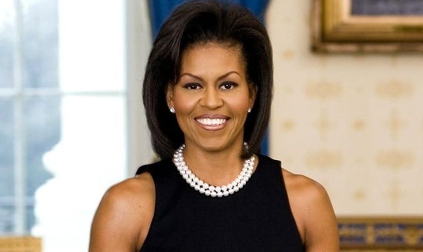 Michelle Obama tem se destacado por sua intensa agenda como primeira-dama, visitando escolas e comunidades, além de ter iniciado uma certa revolução alimentar na cultura norte-americana.