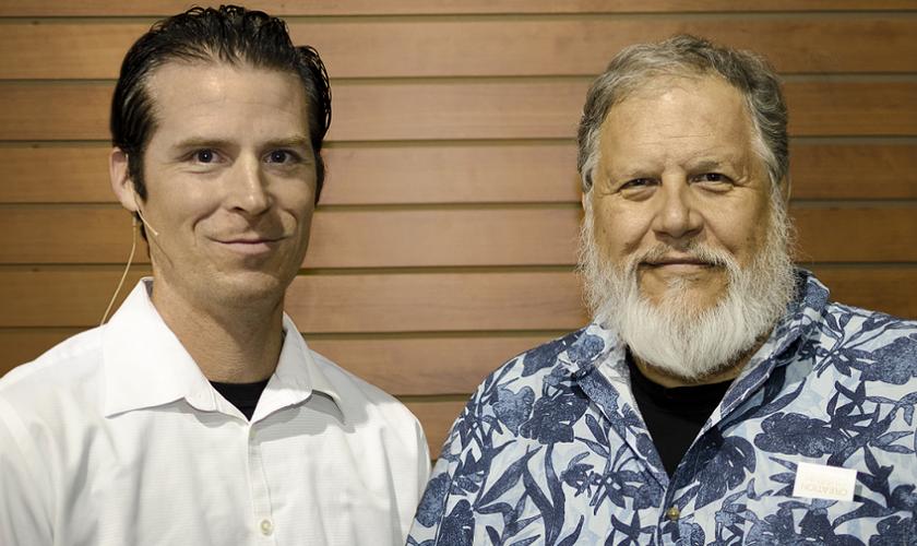 Tom Meyer e Jason Nightingale, membros do Wordsower Internacional.