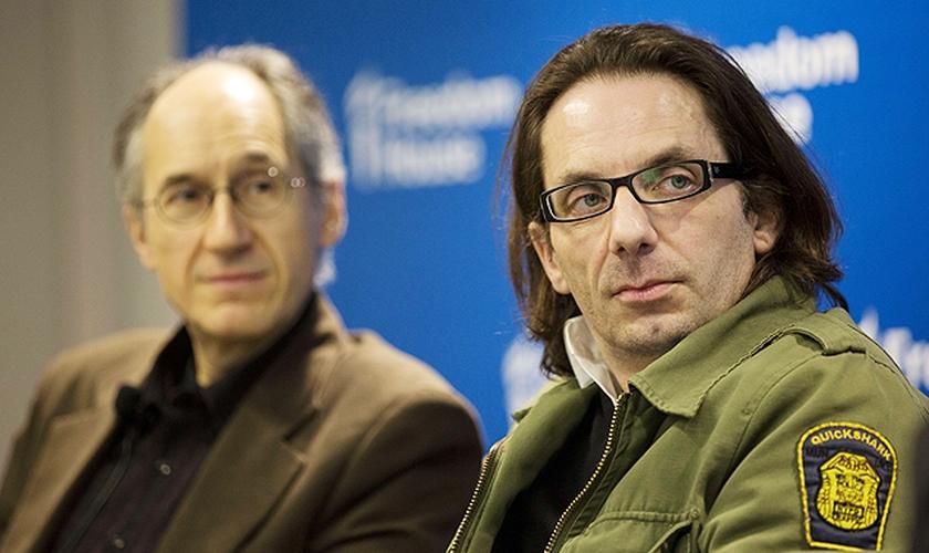 """Jean-Baptiste Thoret e Gerard Biard, do """"Charlie Hebdo"""", em Washington (EUA)."""