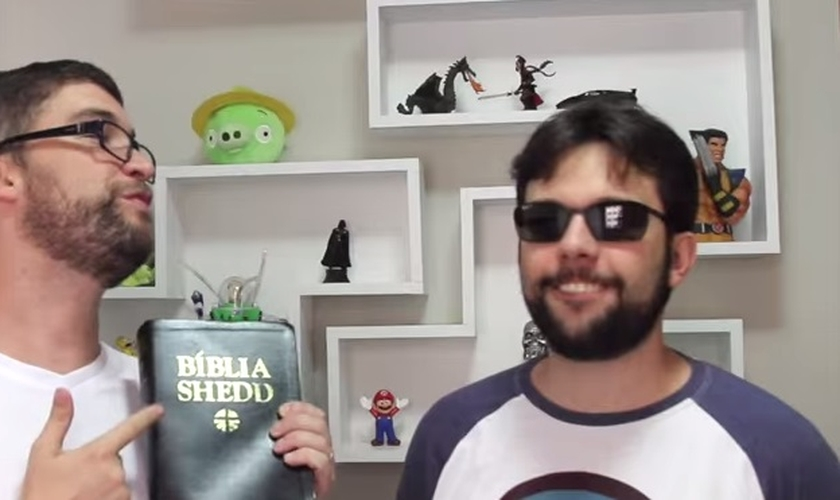 Marcos Botelho e Victor Fontana criam o vlog Teologeeks