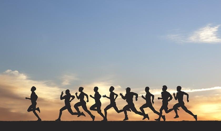 Pessoas correndo
