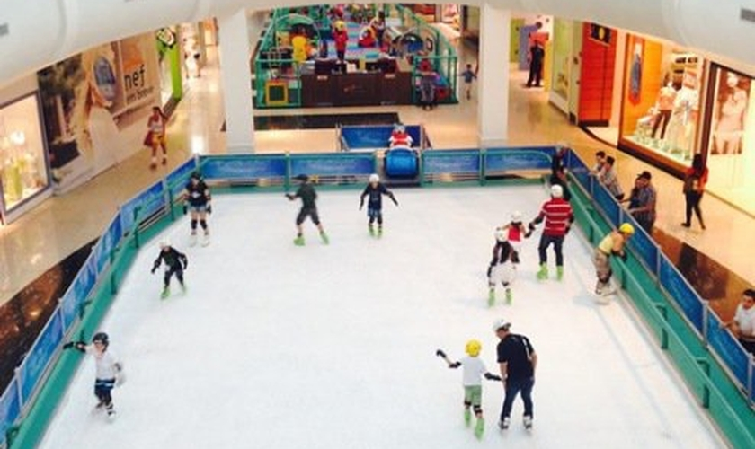 Pista de patinação no gelo