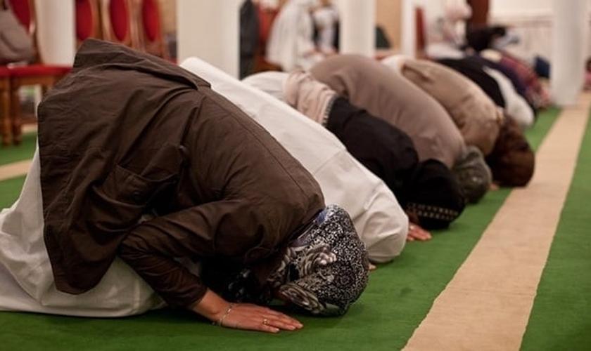 Parte dos pastores tradicionais consideram o islamismo uma religião 'espiritualmente boa'. (Foto: Resumo Escolar)