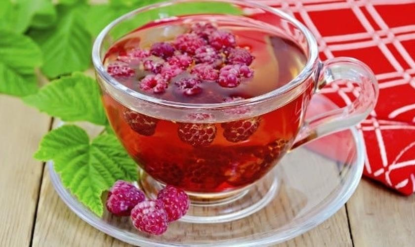 Chá de frutas vermelhas e gengibre
